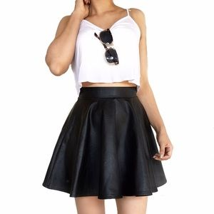 Topshop Faux Leather Skater Skirt in Black EUC 4